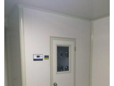 东营净化施工项目中的净化设备风淋室、洁净室